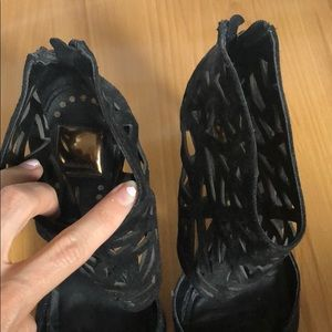 Dolce Vita Shoes - Dolce Vita sz 9.5 Black caged pointed toe heels
